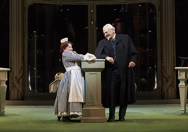 Tracy Dahl as Despina and Sir Thomas Allen as Don Alfonso
