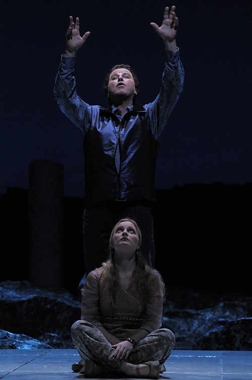 Richard Croft as Hyllus and Lucy Crowe as Iole