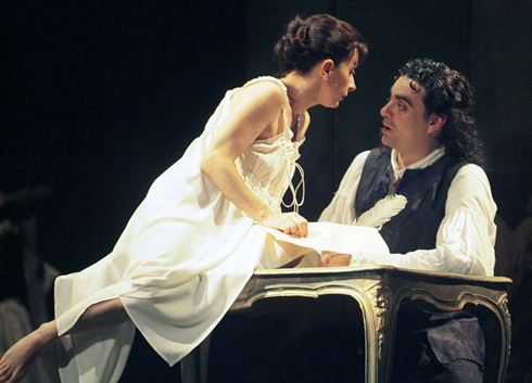Natalie Dessay and Rolando Villazon in the Gran Teatre de Liceu's 2007 production of Manon